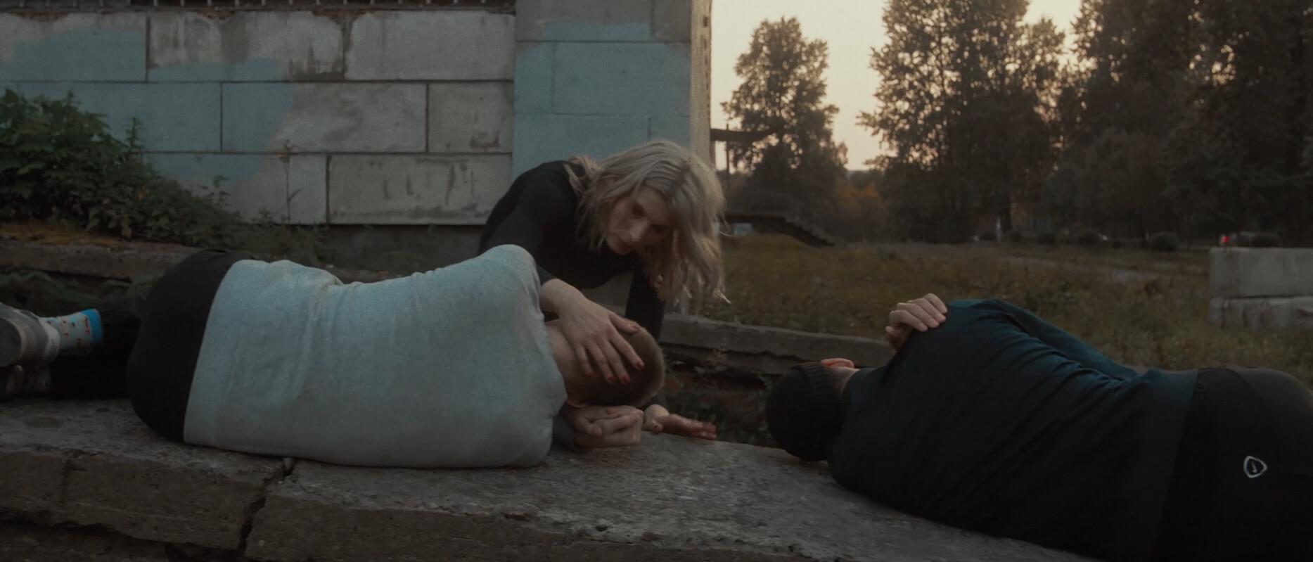 Постсоветская осень в клипе Dvanov